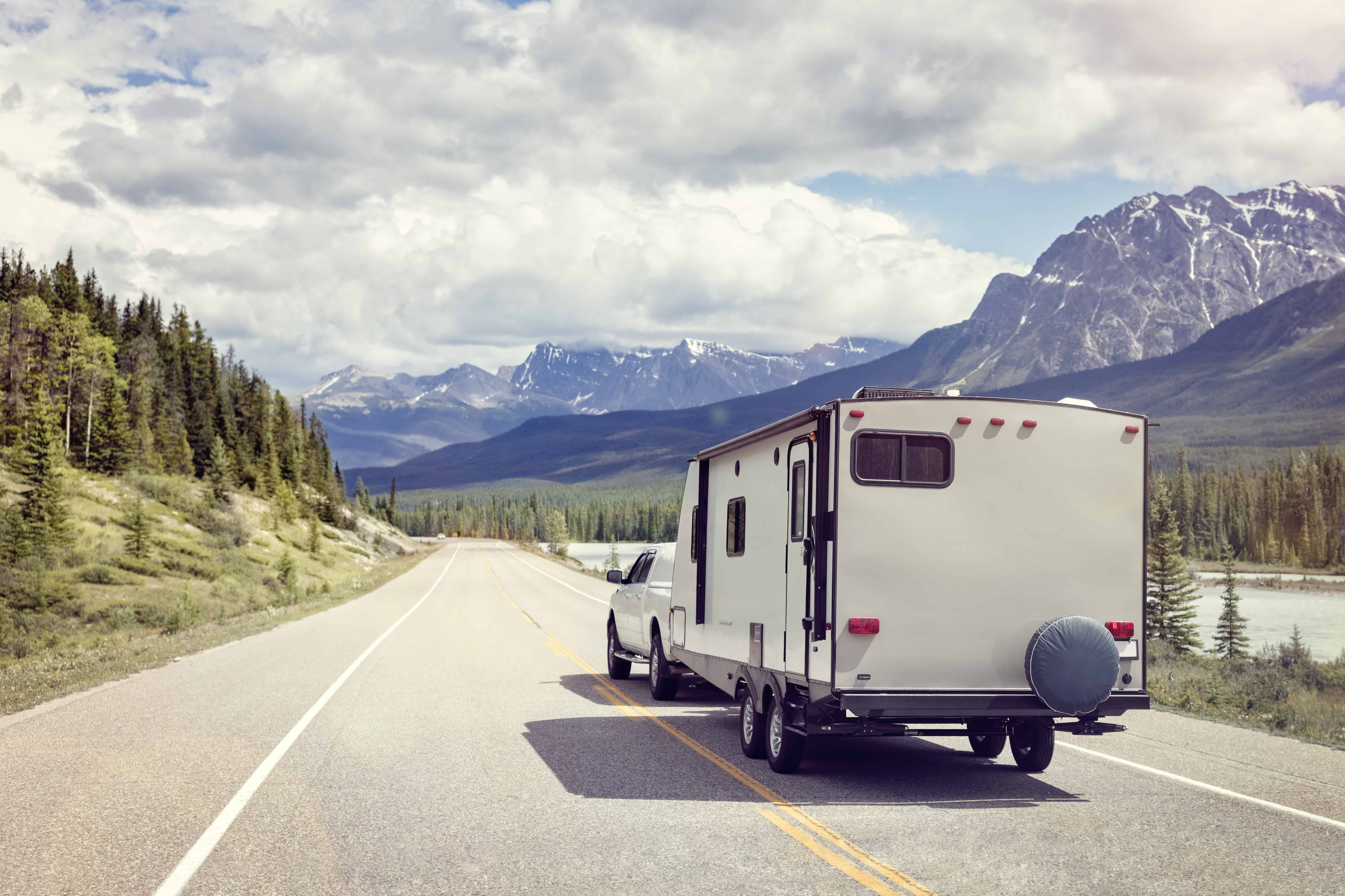 Ultra Lightweight Travel Trailers (Under 2000 Pounds)